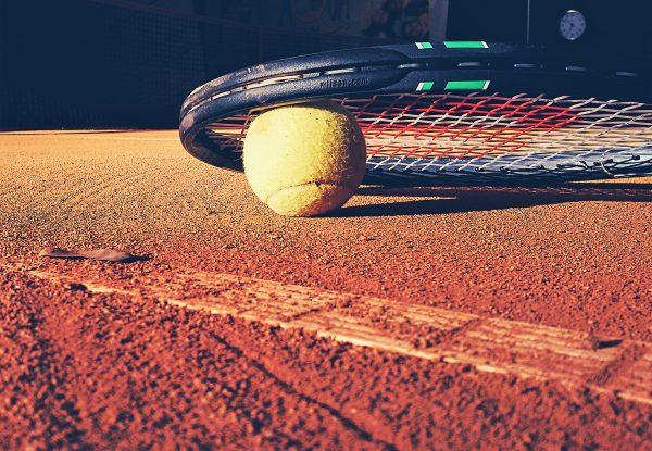 club de padel en valencia - club de tenis en valencia - raqueta