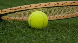 pista de tenis en Valencia - raqueta