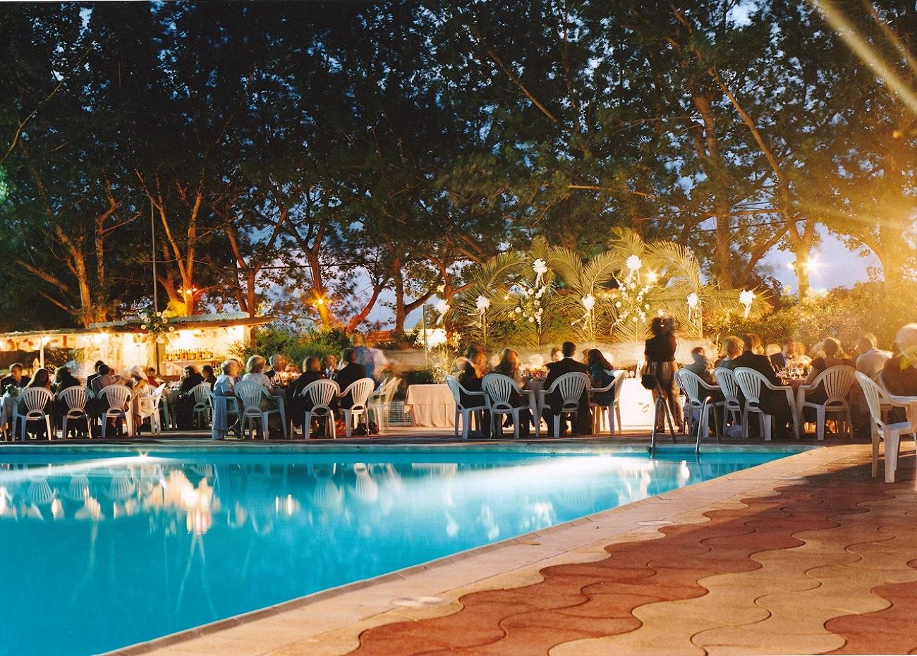 piscina en la pobla de Farnals - - anochecer