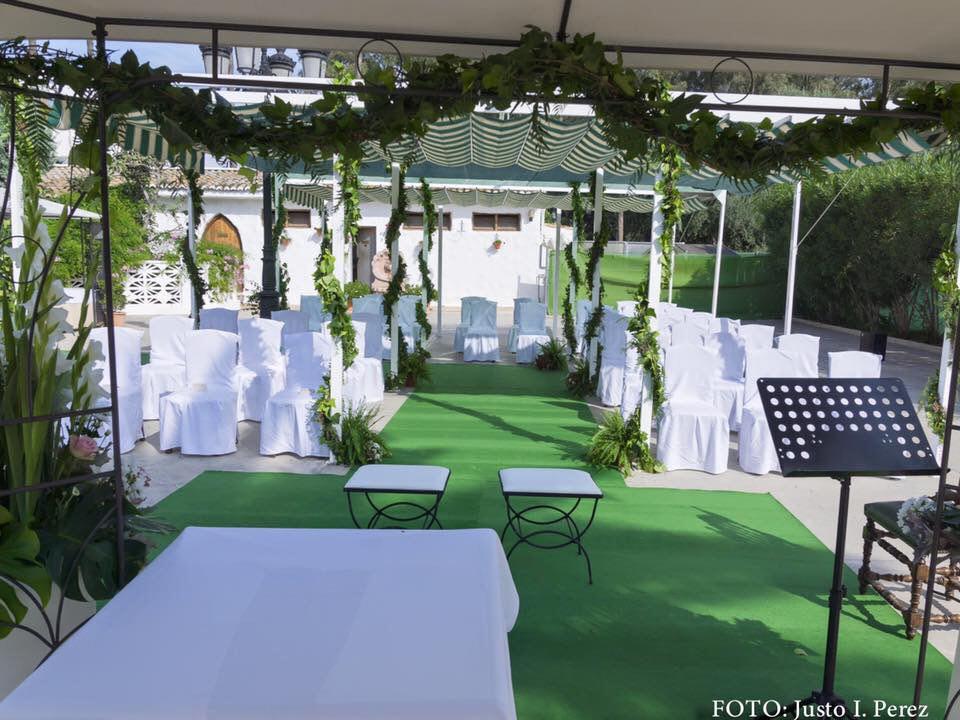 restaurante para celebrar una boda civil en valencia - novios